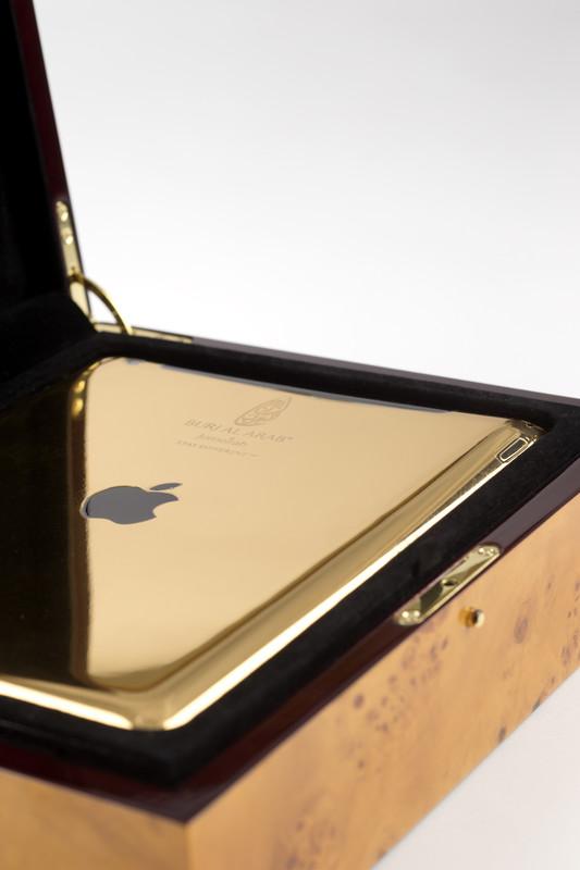 Burj Al Arab 24 carat gold-palted iPad