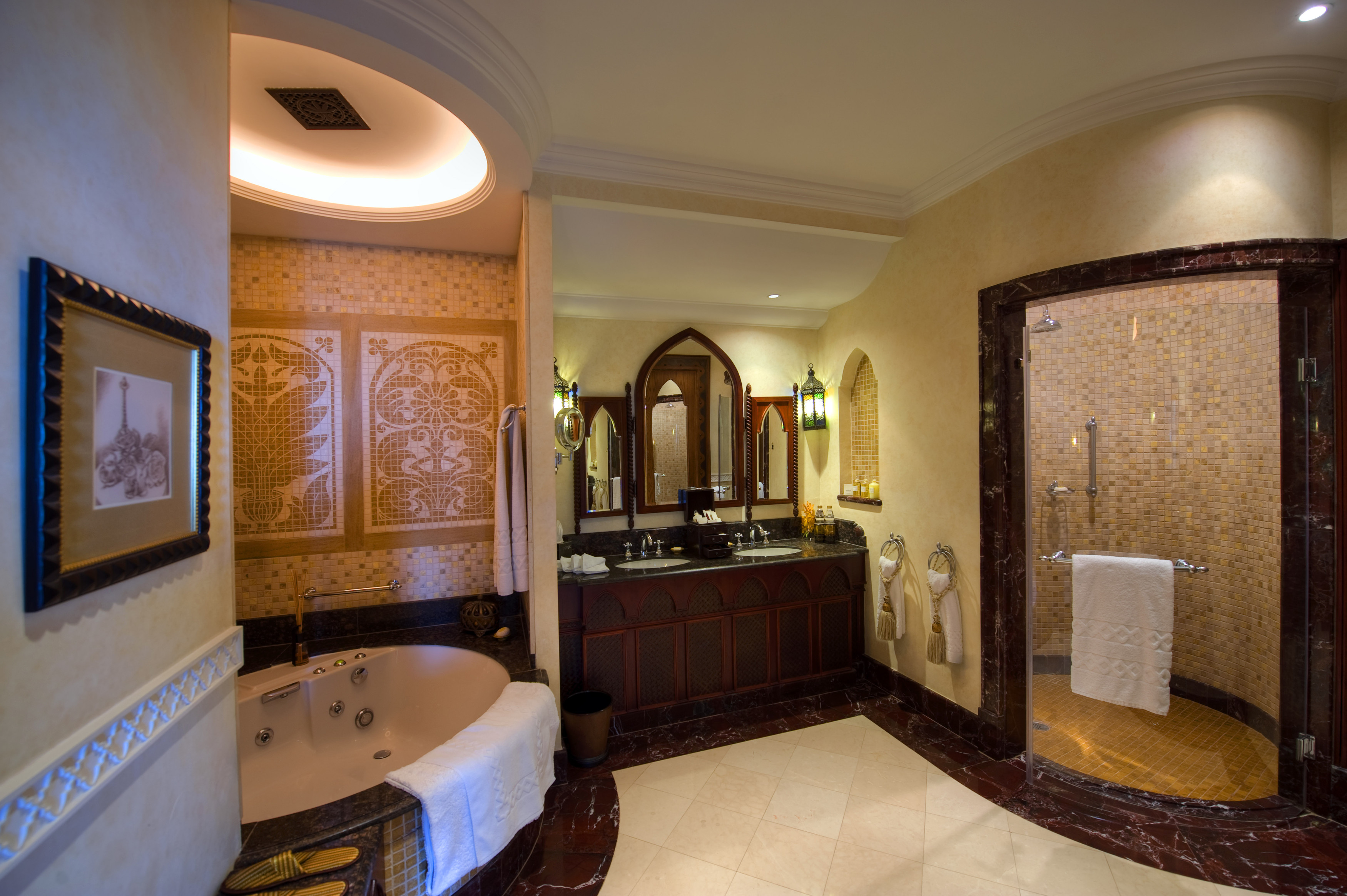 10 best luxury bathrooms you must see Luxury master bathroom suites