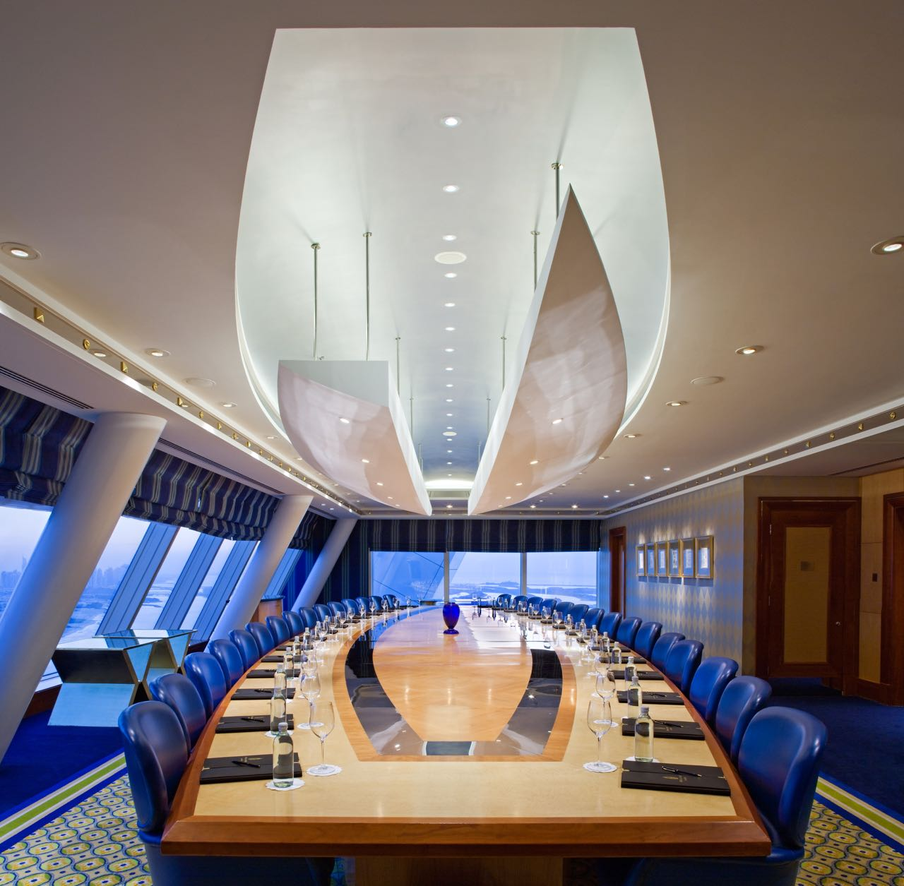 Inspiring pictures of meeting rooms with different layouts for Burj al arab rooms