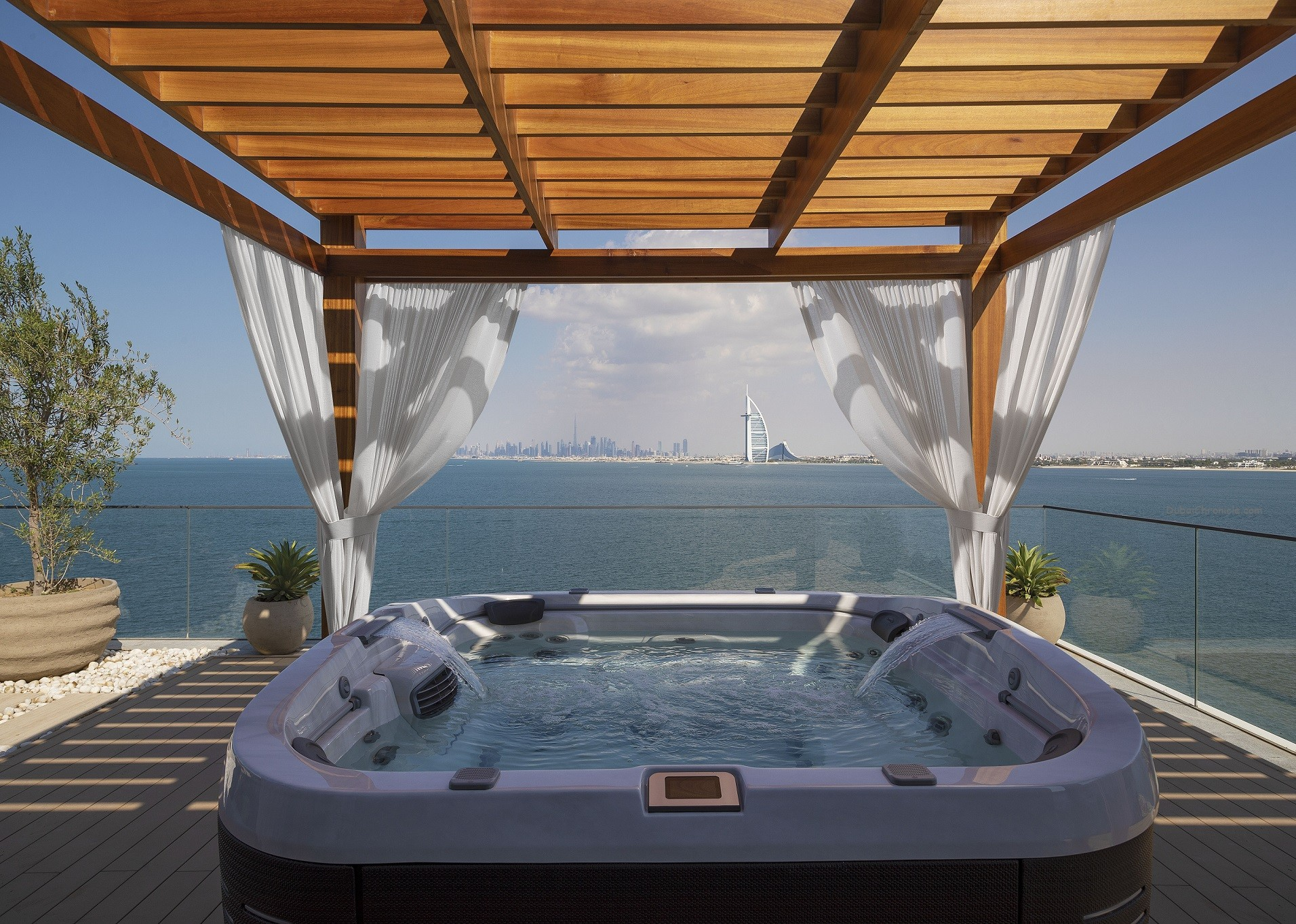 Jacuzzi with Curtains