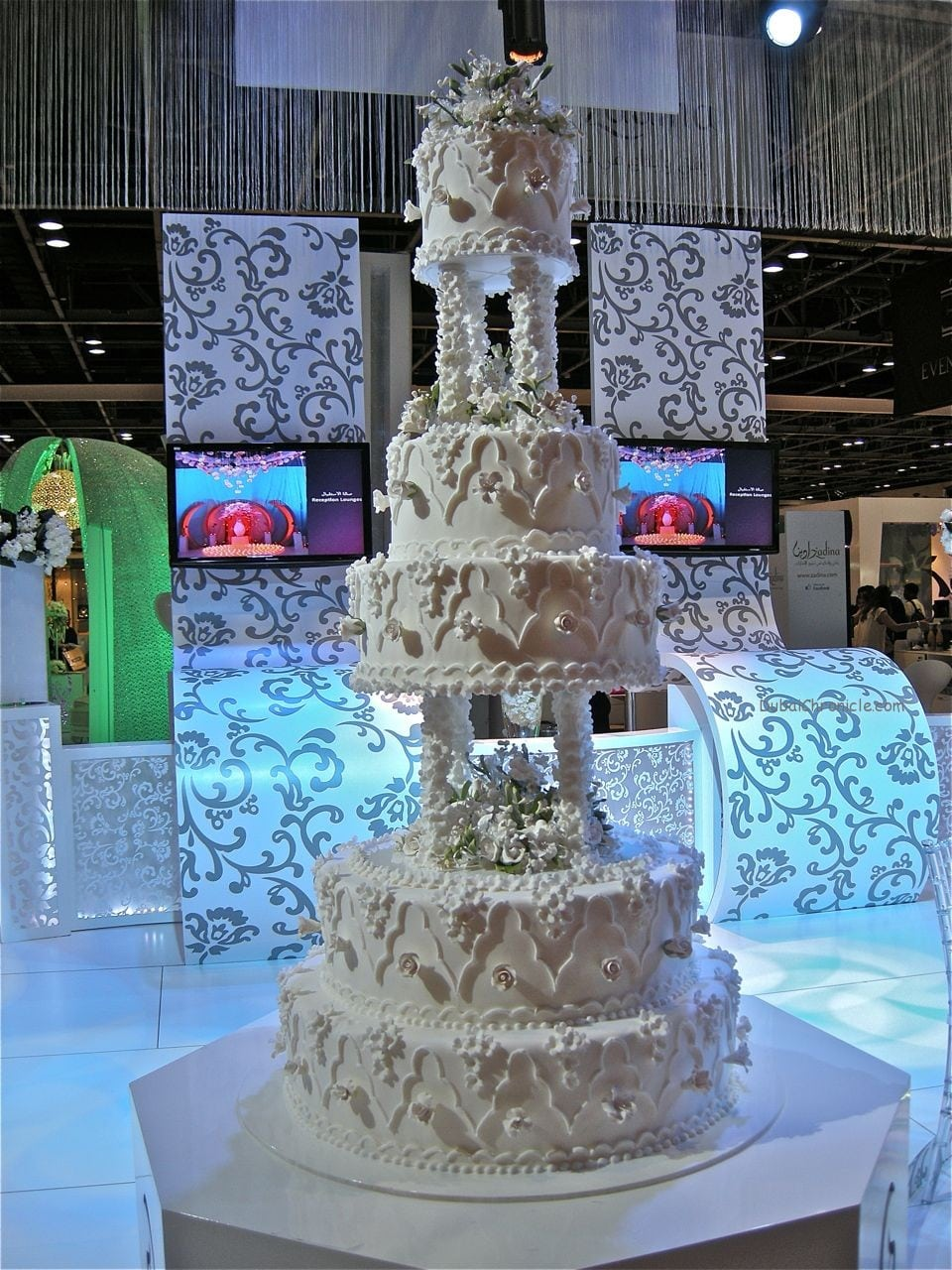 Bride Show Dubai - Cake Trends 5