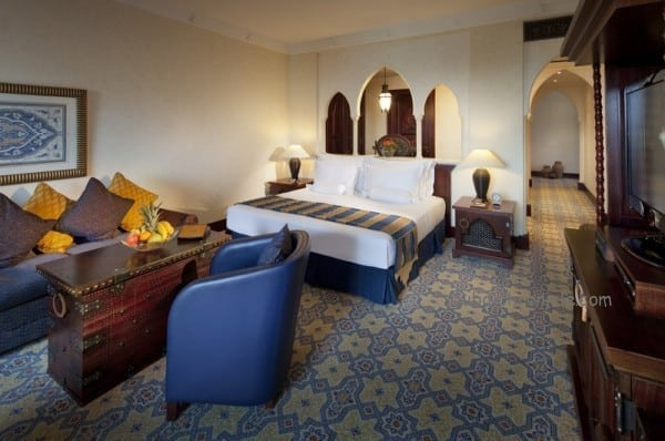 Arabian_Deluxe_Room_-_Mina_A_Salam