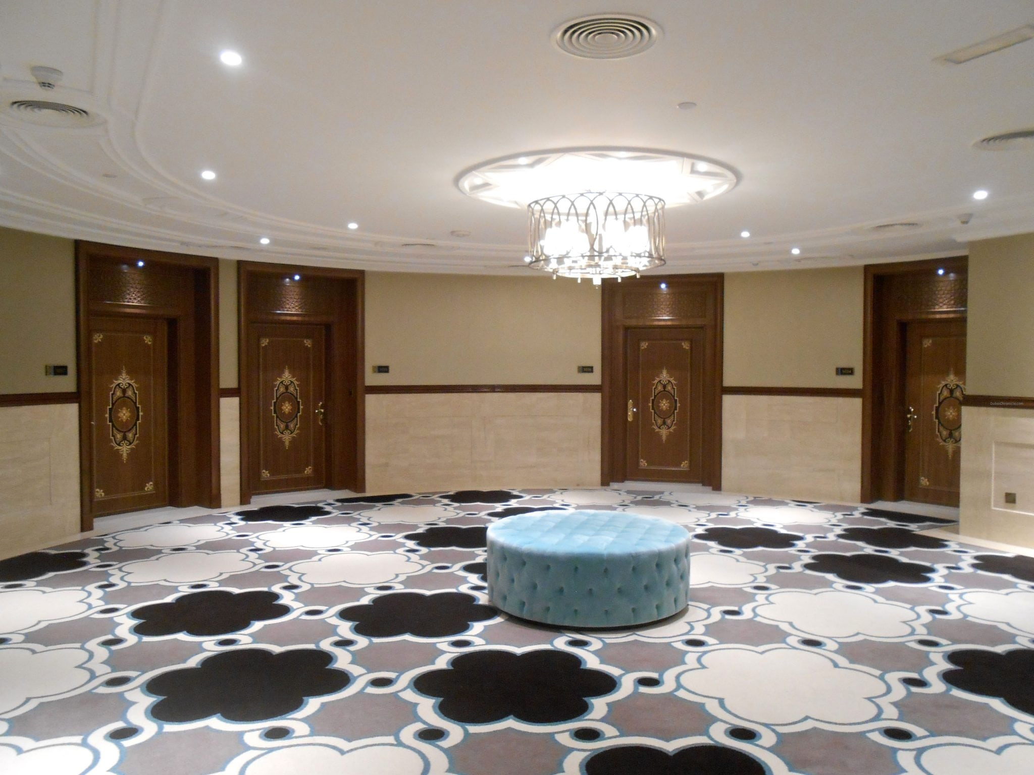Wldorf Astoria Hotel Rooms Doors