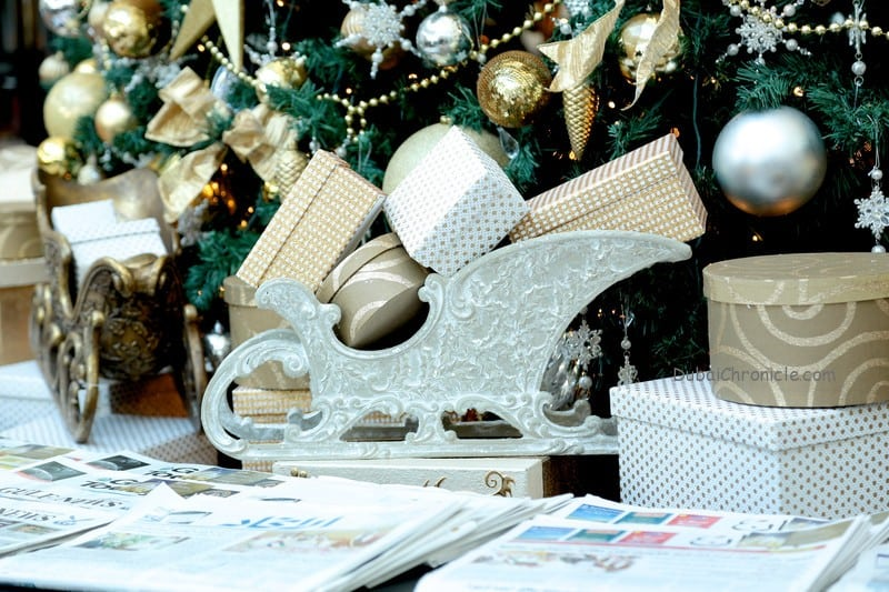 Jumeirah_Emirates_Towers_-_Festive_Decorations_-_Presents