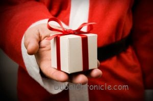 Christmas-Gift-Card-Ideas-for-Teen-Boys-in-Seattle-WA-300x198