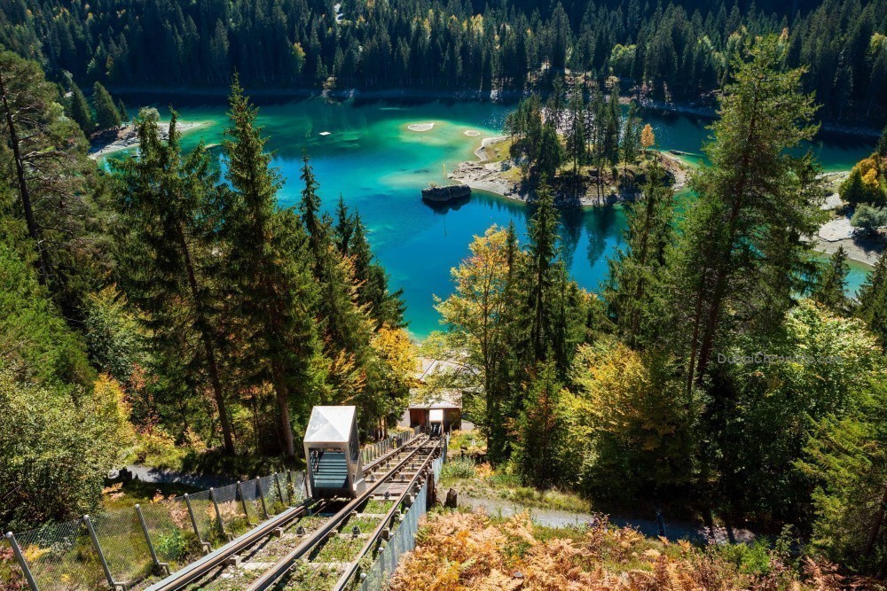 Picture of Lake Caumasee