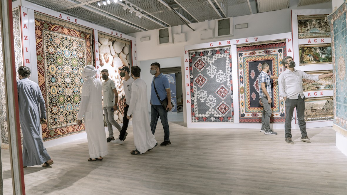 Souk Al Marfa proved to be the perfect pit stop for homeowners looking to add a classic carpet or modern rug to their décor plans.